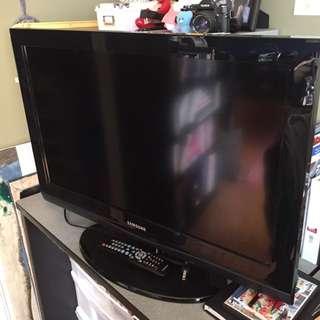 "*RESERVED* 32"" Samsung Tv"