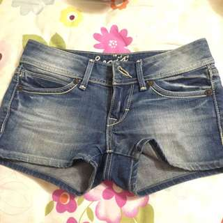 Levis 牛仔短褲