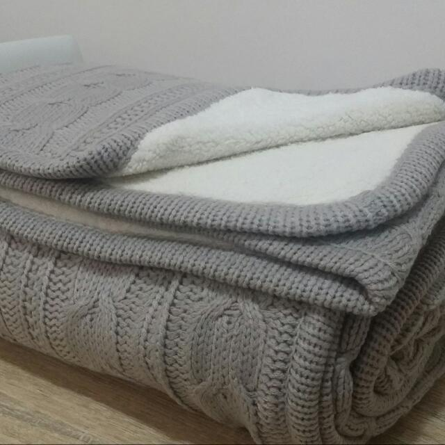 Brand New Cable Knitted Throw