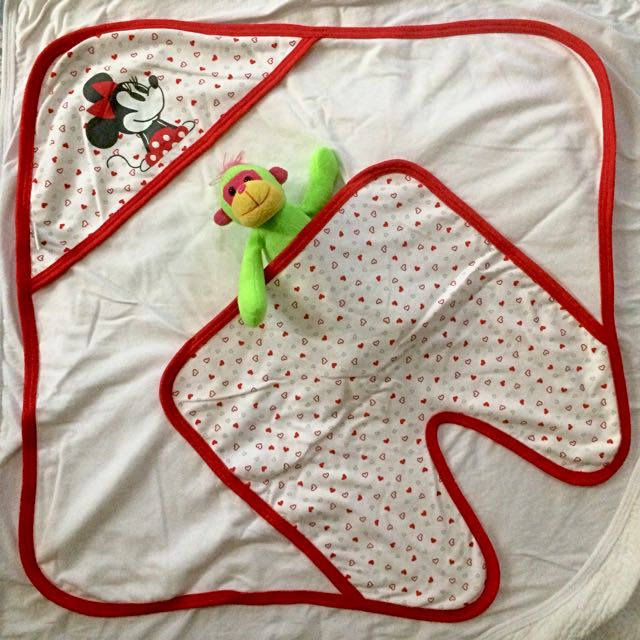 Disney Minie Mouse Receiving Blanket