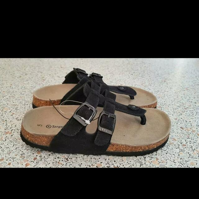 Girls New Suede Sandals In Size 5
