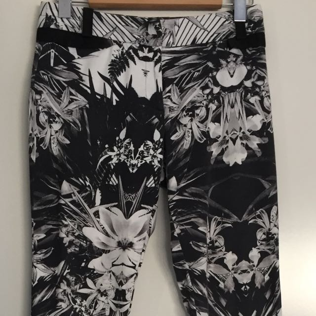 Ladies Cue Skinny Leg Charcoal White Graphic Pants Size 8