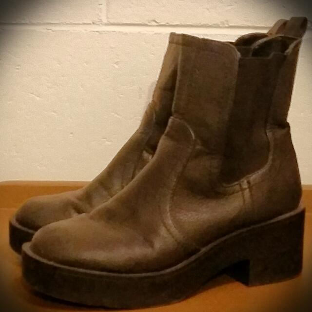London Rebel Black Ankle Boots Sz8