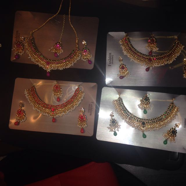 New Bollywood Indian 4 Piece Jewellery Sets Necklace Earring Tikka