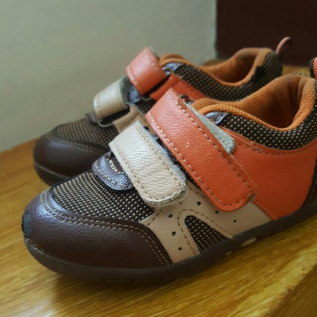 Oshkosh Shoes Size 22