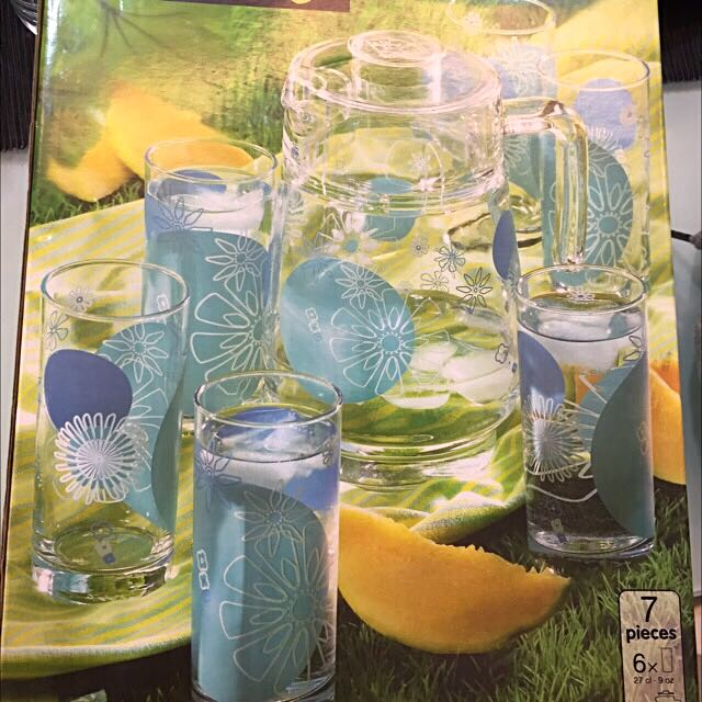 Set Of 5 Glass With Jug(urgent One Day Movingout Sale)