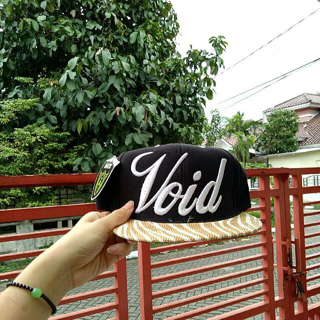 Snapback / Topi Void Black