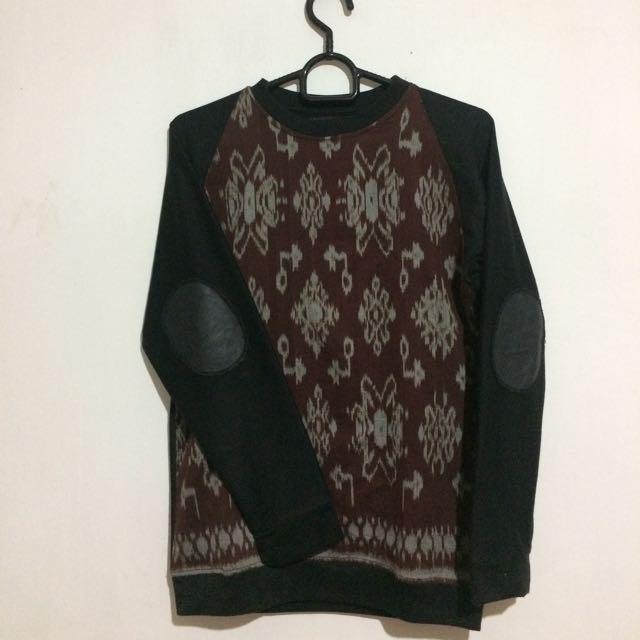 Sweater Batik