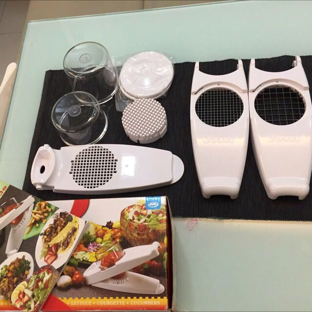 Vegetable Dicer With Different Blades N ShapeCutter ( Moving Out Sale)