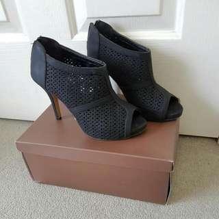 Black Novo Low-cut Heels