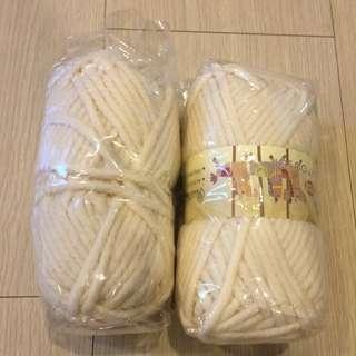 米白色毛線 2捆