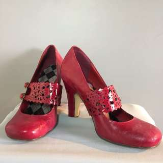 Lacey Mules