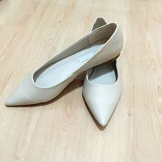 Size 8 Nude Flats