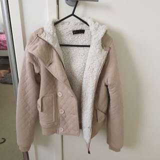BEIGE AND WHITE JACKET