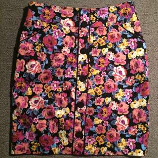 Review Floral Skirt (Size 8)