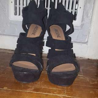 Ardenes Shoes. High Wedges Black