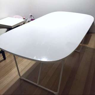 Glossy Dining Table