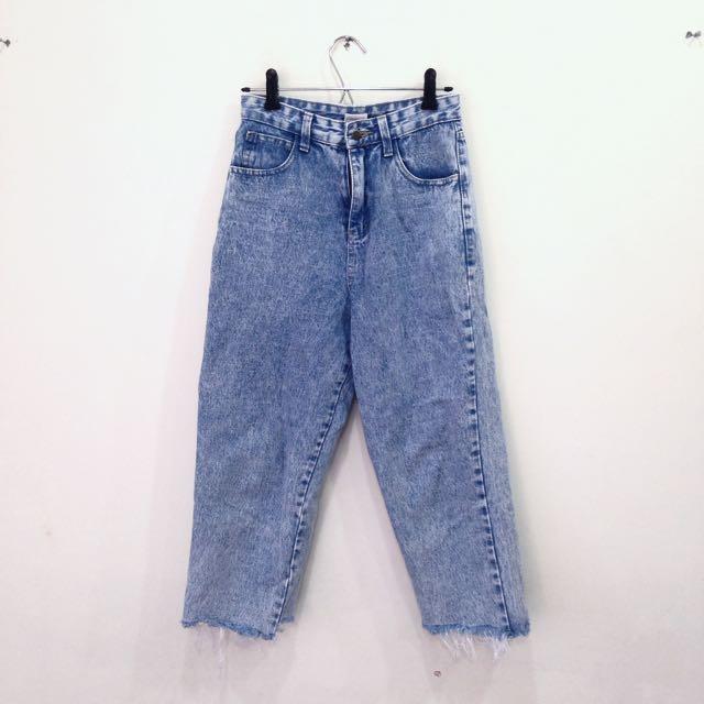 九分刷白牛仔褲