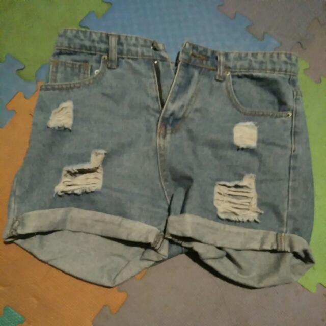 牛仔短褲 割破 淺藍
