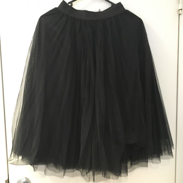 Black Tulle Skirt (size S-M)