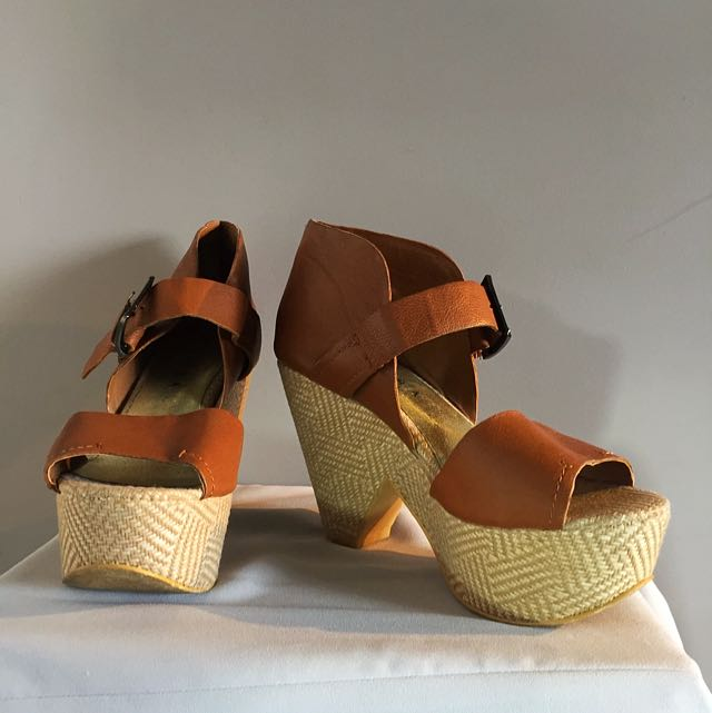 Decjuba Wedges