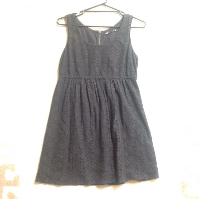 DOTTI BLACK DRESS size 12