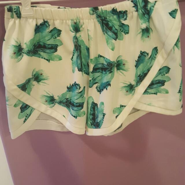 Feather Shorts Size 8