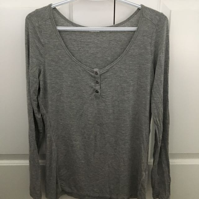 Grey Long sleeve Top With Buttons