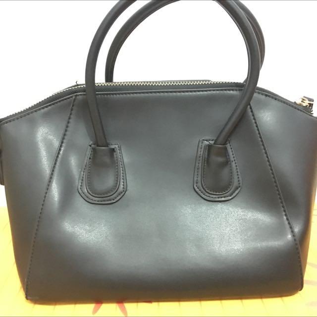 Handbag Black Le Femmes