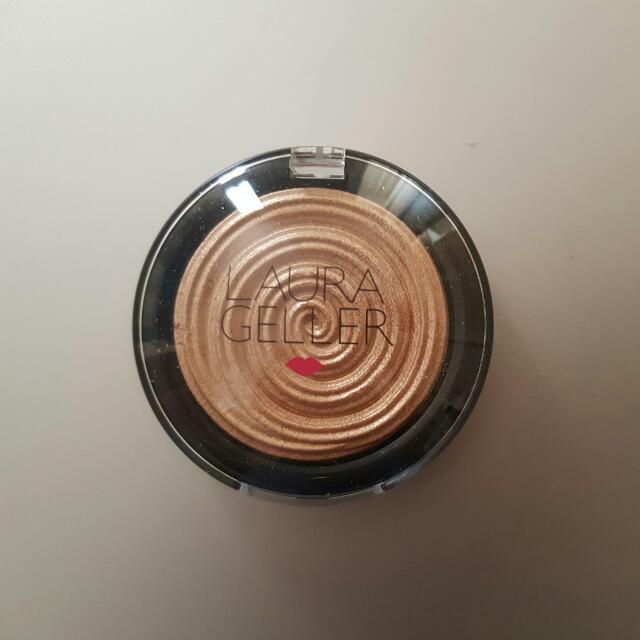 Laura Geller Baked Gelato Swirl Illuminator- Glided Honey