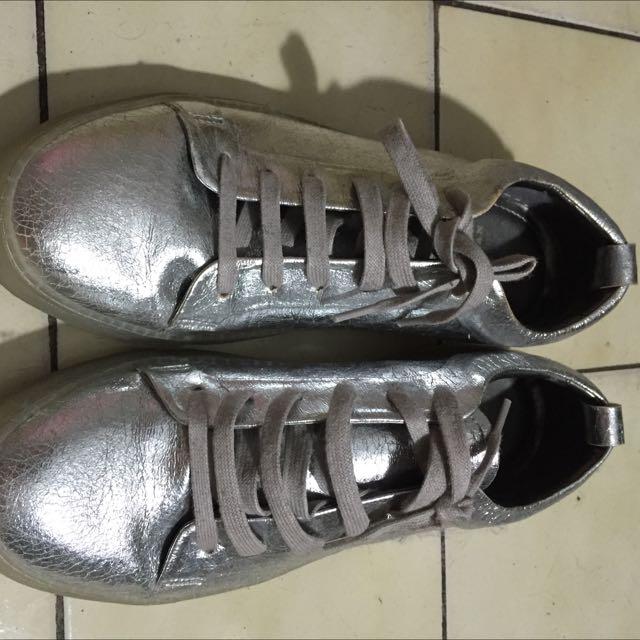 ZARA 銀色休閒鞋 42號 約NIKE 9號