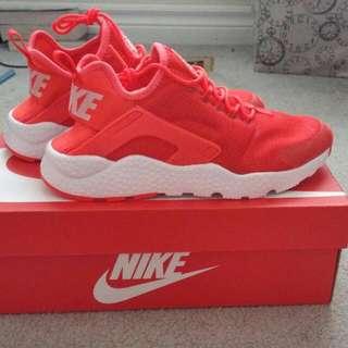 NEW Nike Air Huarache Run Ultra Sneakers