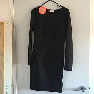 BNWT Isla Black Dress