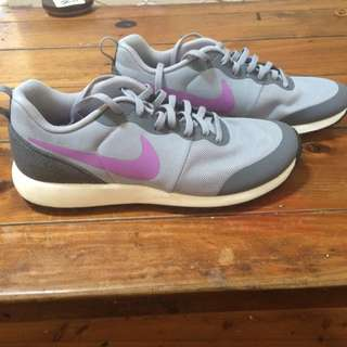 Nike Women Shoe's Free Runs