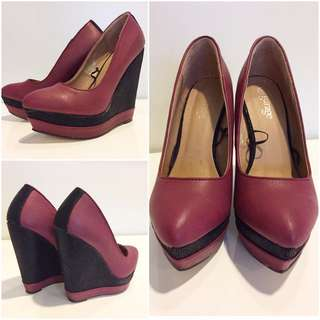 REDUCED!! Wedges Size 6