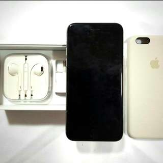 Iphone 6 Space Grey Color.128 GB Mint Condition.