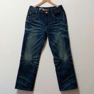 (降價嘍)墨達人雲紋繡花牛仔長褲
