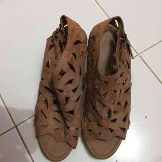 Sepatu Wegees Syssi Viana