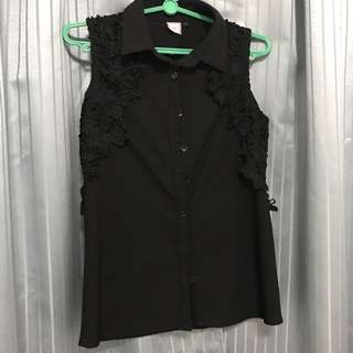 Black Sleevless Blouse