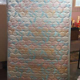 matress no stains excellent condition