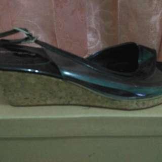 Sepatu Merk Antonio