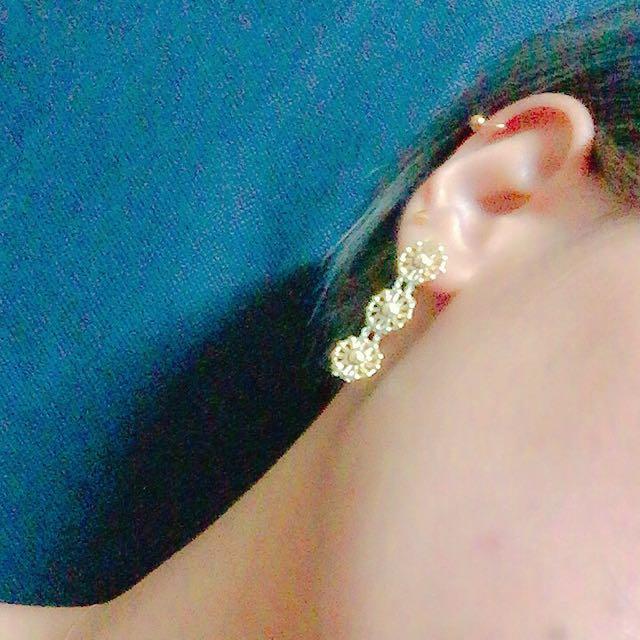 金花形耳環