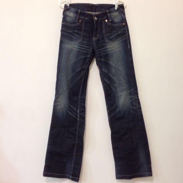【近全新】日本帶回 寬筒小喇叭 超修飾 自然刷色牛仔褲