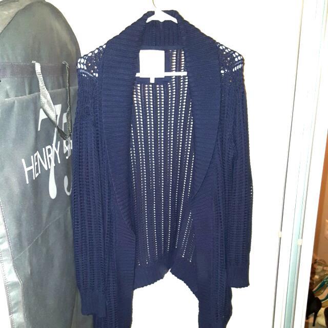 Aritzia - Sunday Best navy knit sweater