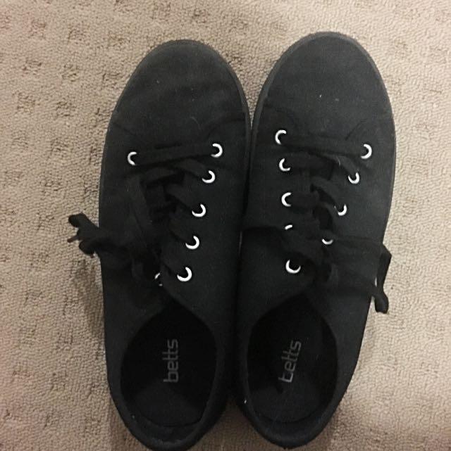 Black peeps shoe