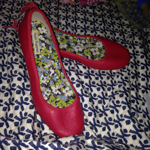 Brand New Leather Hush puppies Flats
