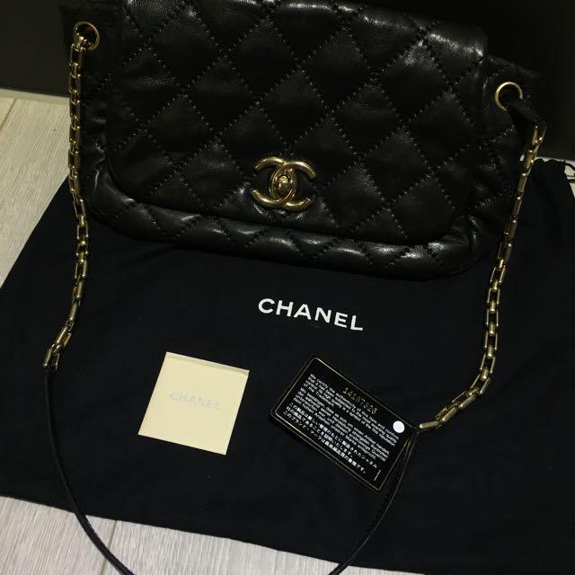 Chanel 黑色外縫菱格牛皮包