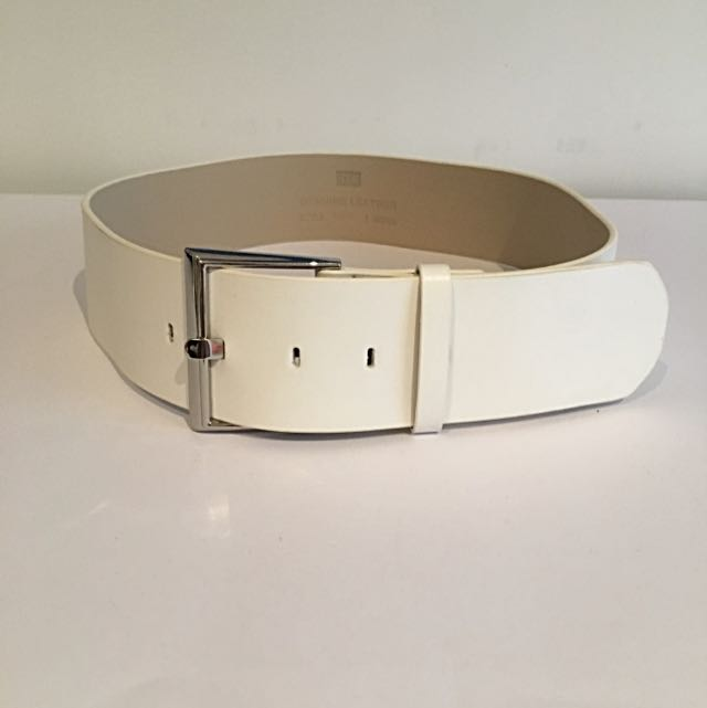 *sold* Cue Genuine Leather Belt Sz Med