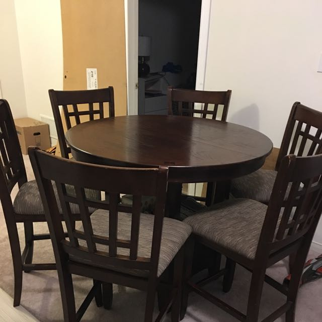 Dinning Table With 6 Chairs U Can Use As High Chair