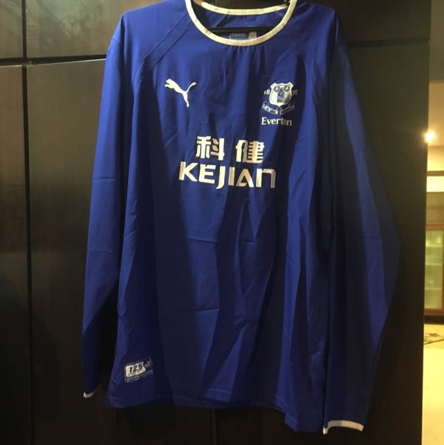 classic fit 8f64e db400 Everton home jersey Long Sleeve